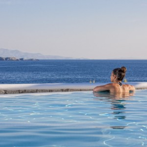 Enjoy the view at De.Light Boutique Hotel in Agios Ioannis #Mykonos #Greece #photooftheday #picoftheday #travelinspiration #wishyouwerehere #travel #luxurytravel #luxuryhotel #pool #view #sunshine
